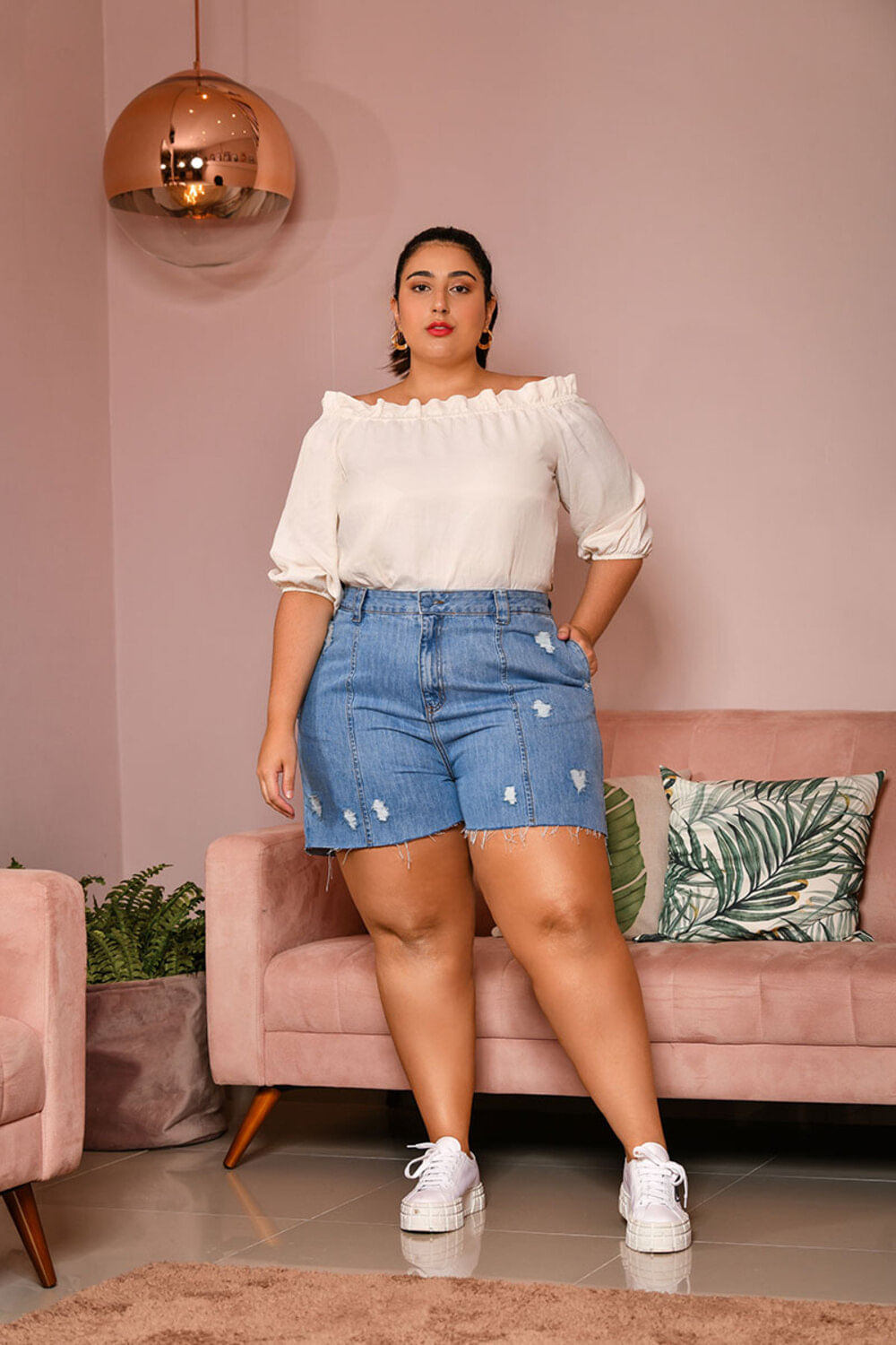 IZT88810540_Shorts_Plus_Size_Curto_JEANS_3