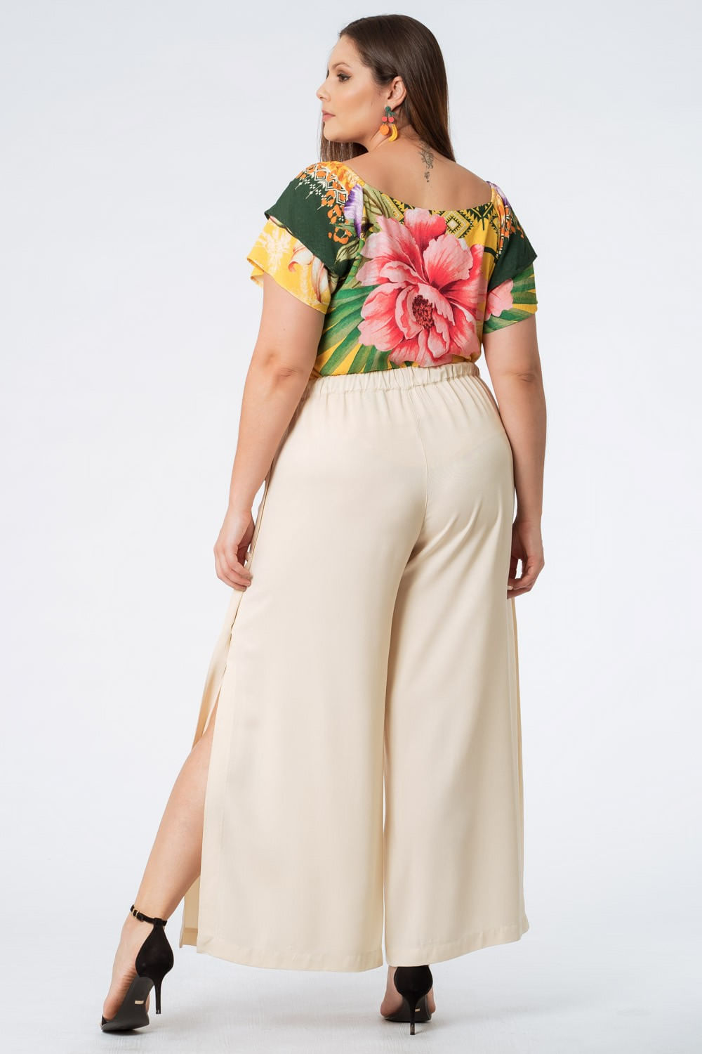 calca_plus_size_pantalona_botoes_off_white_20811_2_20201104145347