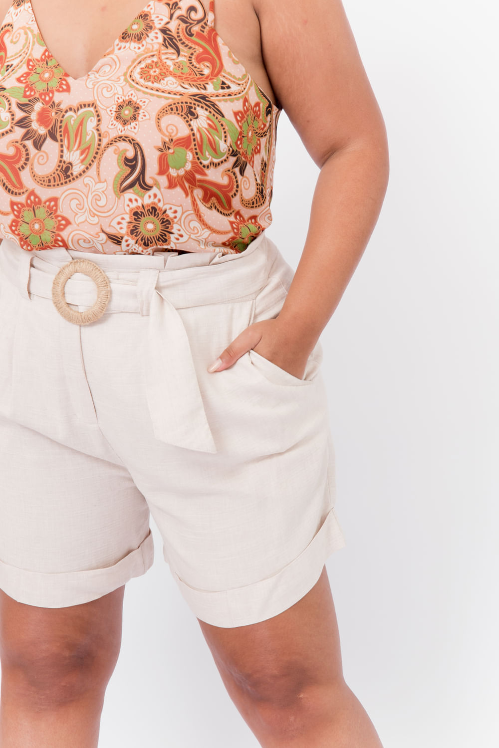 T117_5_Shorts_Plus_Size_Clochard_Com_Fivela_Palha_NATURAL_2