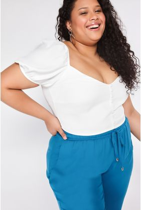 T108.4_Blusa_Plus_Size_Cropped_Creponada_Off_White_1