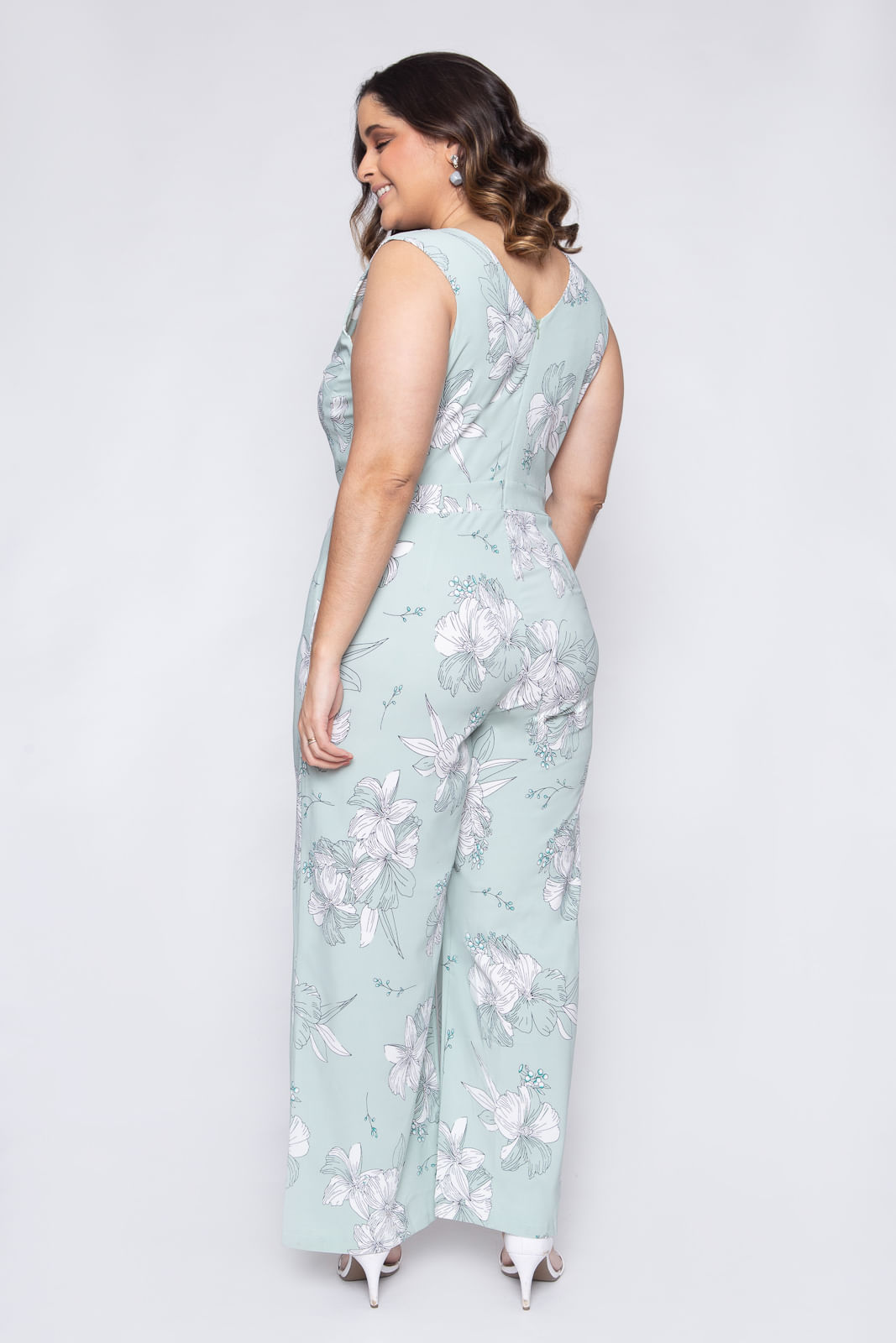 8332_Macacao_Plus_Size_Verde_Floral_4