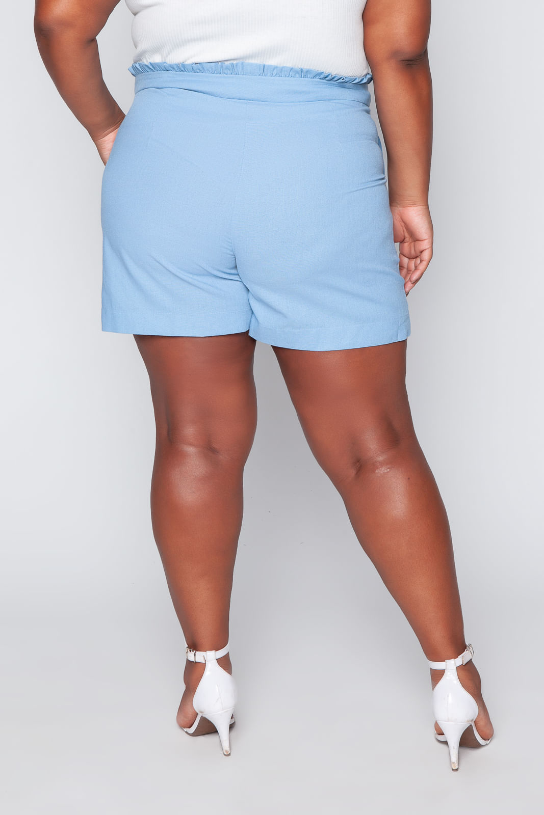 T039_Shorts_Plus_Size_Clochard_Linho_Azul_Celeste_3