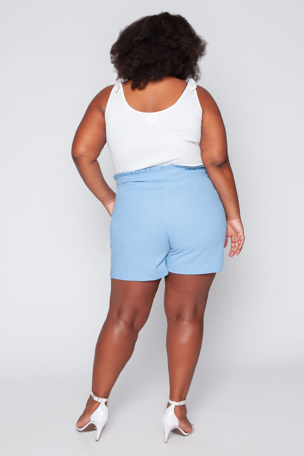 T039_Shorts_Plus_Size_Clochard_Linho_Azul_Celeste_4