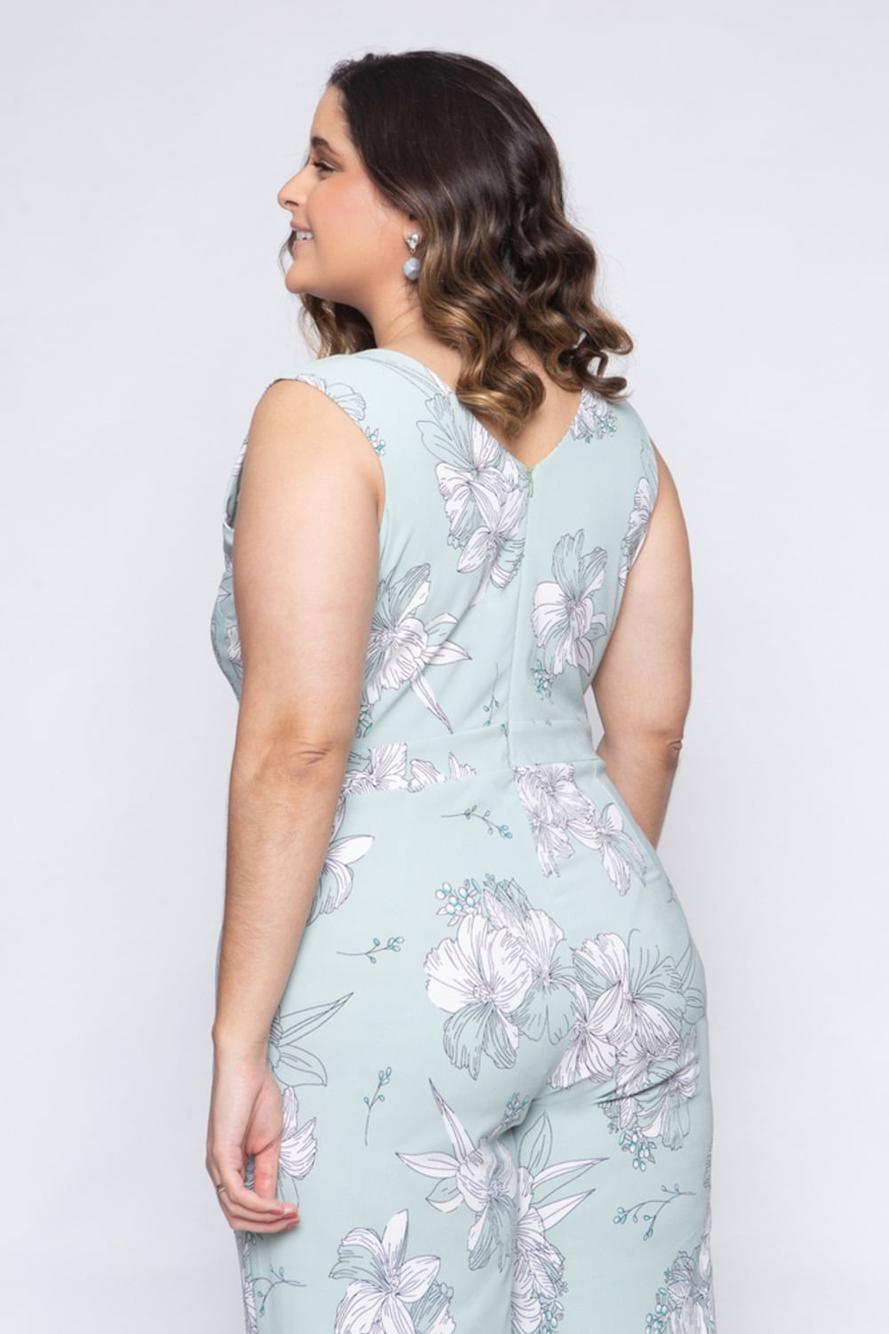 8332_Macacao_Plus_Size_Verde_Floral_2